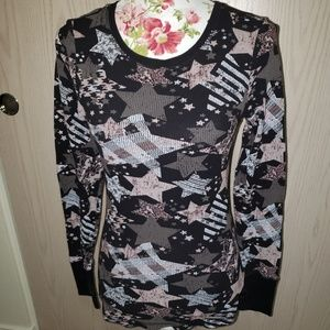Thermal long sleeved star tee. Size L